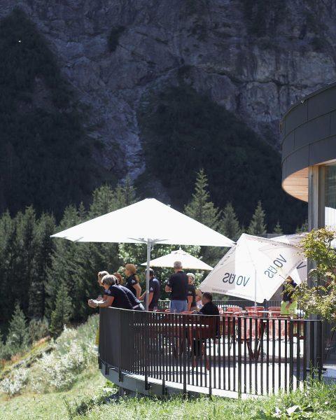 So schön war es diesen Sommer auf unserer Terrasse ☀️ #lechamarlberg #lechzuersamarlberg #lechzuers ...
