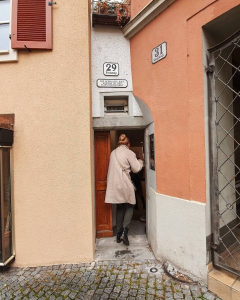 Das Geheimnis ist gelüftet ‼ Hinter der 57 cm breiten Fassade des schmalsten Haus Europas befindet sich...