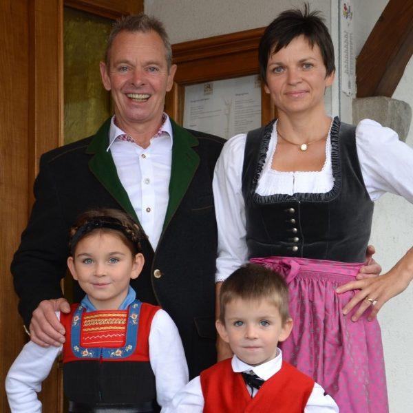 """In unserem Kochbuch präsentiert """"Der Hirschen Sibratsgfäll"""" das erste Gericht. Eine Vorspeise mit ..."""