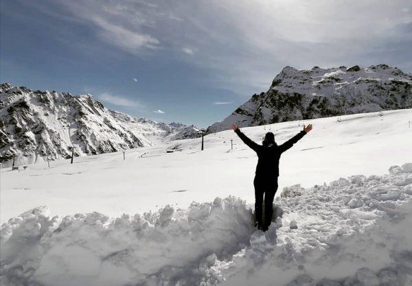 × 👸 + ❄️ = 😍 × . . #happylea #winterkind #drbärgrüaft #happyday ...