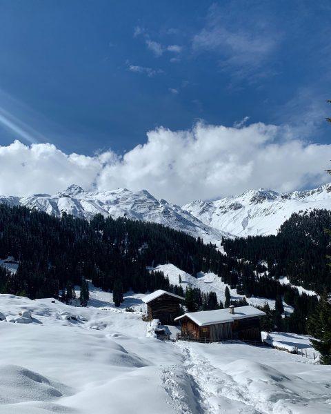Hi September 2020... Grüaß di us am Winterparadies. Sunday Family Stroll🌬❄️🙌🏻 #snow #autumnvibes ...