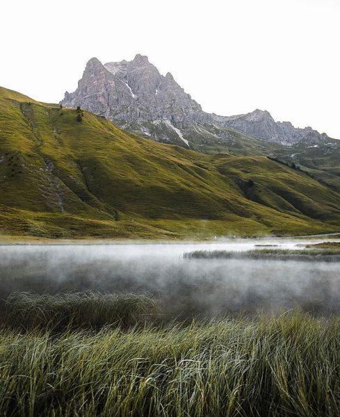 Wie wir den Herbst in den Alpen doch lieben 🤍 Foto: @yngwix #warthschröcken ...