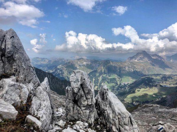 Urlaubserinnerungen: die wunderbare Aussicht beim Abstieg von der Braunarlspitze Holiday memories: the wonderful view as you descend...