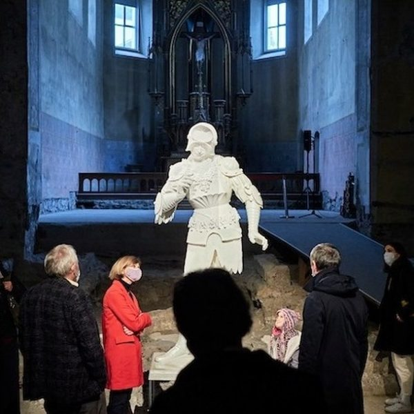 Oliver Laric's »Standbild« at the Johanniterkirche Feldkirch. The 3D sculpture can be viewed ...