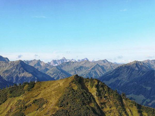 Mein erster Wanderurlaub verschlägt mich nach Österreich in das Kleinwalsertal. Im Gebiet Fellhorn /Kanzelwand wird man zum...