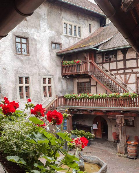 Die Schattenburg ist wahrscheinlich die bekanntesten Burg Vorarlbergs, in der Anhöhe von Feldkirch. ...