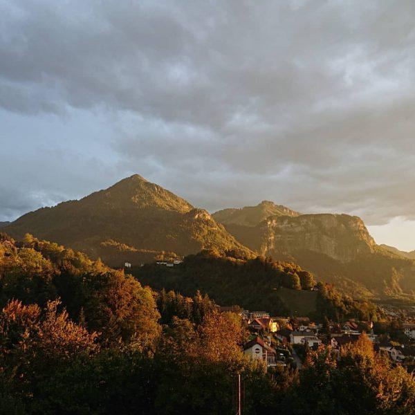 Karren mit Breitenberg mal aus einem anderen Blickwinkel 🚠🌄🍁🚠🌄🍁🚠🌄🍁🚠🌄🍁🚠🌄🍁 ich kam. ich sah. den goldenen herbst. #goldenerherbst...