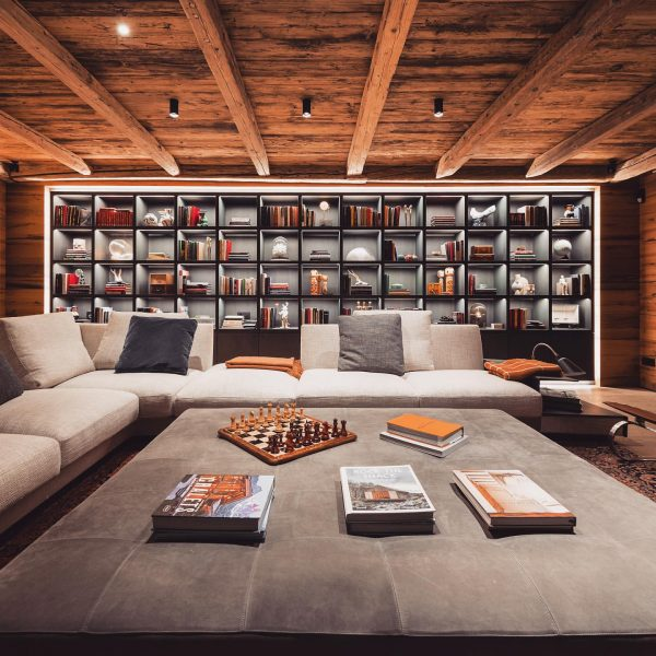 Looking for the most stylish and luxurious ski chalet? The @arulachaletslech offer accommodation ...