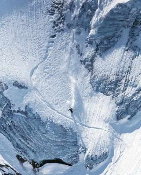 Two types of riders #skifasttakechances Skier:@regreps89 📷: Dominik Hadwiger #montafon #bielerhöhe #silvrettabielerhöhe #powhub ...