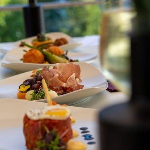 Aktuell stehen am Abend und am Wochenende mittags in unserem Restaurant @e3montforthaus die ...