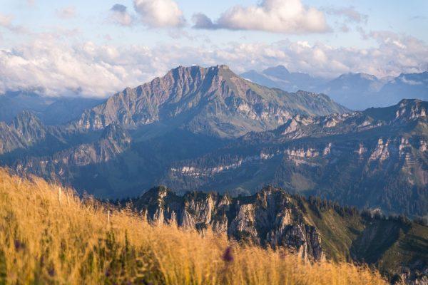Erlebe die Herbstvielfalt in Au-Schoppernau🍂🍂☀️🌄⛰️ Egal ob wandern, biken oder entspannen - bei uns kannst du Deine...