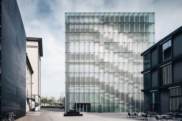 Unser Ausflugstipp für alle Kunstfreunde. Das Kunsthaus Bregenz. Geplant von Architekt Peter Zumthor. ...