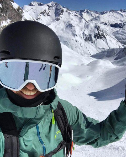 • Vorfreude • - - - - #winter #schnee #pulverschnee #vorfreude #visittirol #visitvorarlberg ...