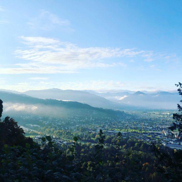 Blick vom Gebhardsberg am Morgen #herbst #herbststimmung #visitbregenz #morgenstimmung #bergpanorama #morgenfrische #morgenspaziergang