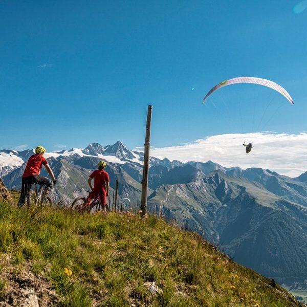 Passend zur großartigen Aussicht und dem imposanten Panorama des höchsten Bergs Österreich eröffnet ...