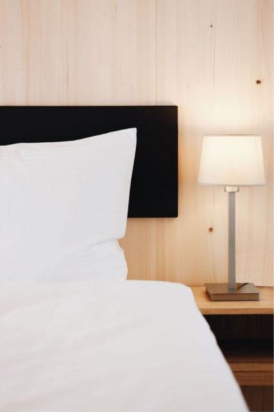 Einfach einmal gemütlich ausschlafen? Einfach einmal eine Nacht im Hotel verbringen? Abends schon ...