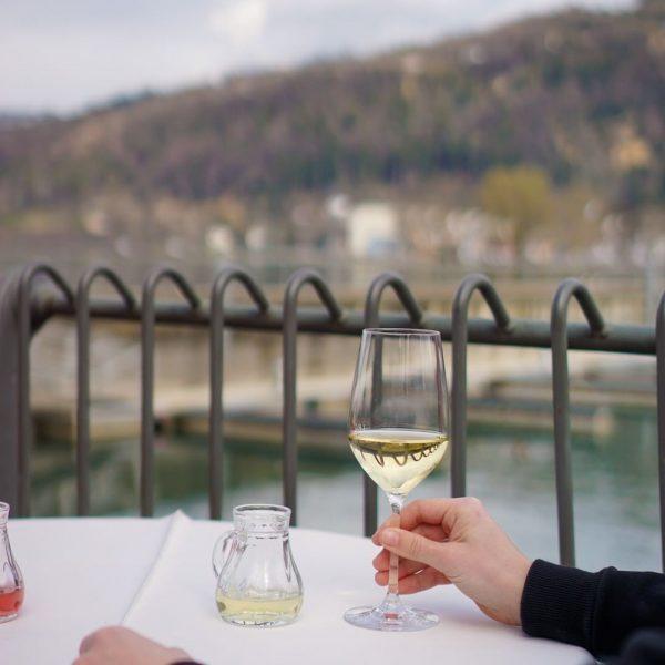 Am Donnerstag ist es soweit: Unser traditionelles Herbst-Weinkulinarium mit Starwinzer Gerhard Markowitsch findet endlich statt. 😊 Edle...