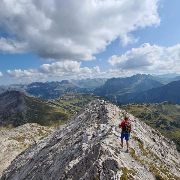 SUMMER MOMENTS🏔☀️🚵♂️ #tb #summer #roadcycling #montainbike #hiking #mountains #nature #passodellostelvio #timetoplay #tirol #stantonamarlberg ...