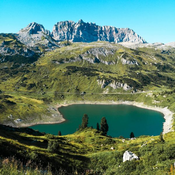 🇦🇹 The gorgeous Formarin lake with the infamous 'Rote Wand' in the back.. ...