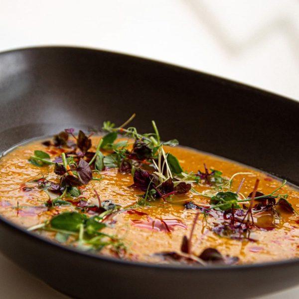 Würzige vegane Linsensuppe mit Paprika-Öl 🌶🍂 #vegan #vegetarisch #vegetarian #organic #herbstlich #foodblog #vorarlberg ...
