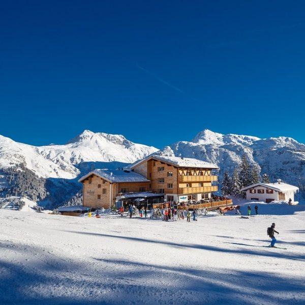 Echtes Ski-Out und -In schaut so aus ⛷ Ihr Schi- und Schnee-Erlebnis beginnt und endet gleich vor...