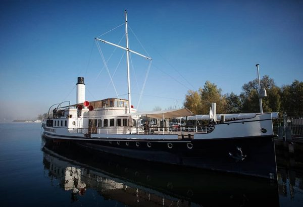 In a world where everything seems to be available 24/7, the annual wintering of our steamship Hohentwiel...