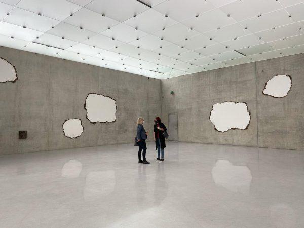 On the third floor of @kunsthausbregenz the Swiss artist Peter Fischli raises questions. ...