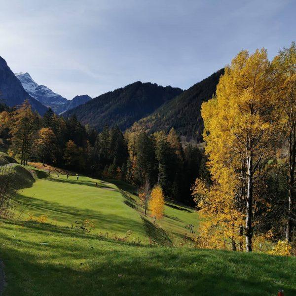 Was für ein Tag... Herbstliche Grüße vom Alpin Golf Brand. #autumn #topgolf #topcourse ...