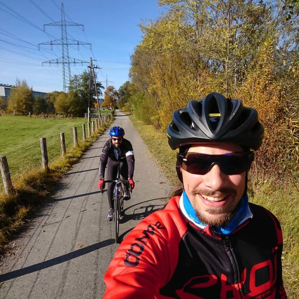 Sunny autumn ride with @christofbreuss ° It's that time of the year again, ...