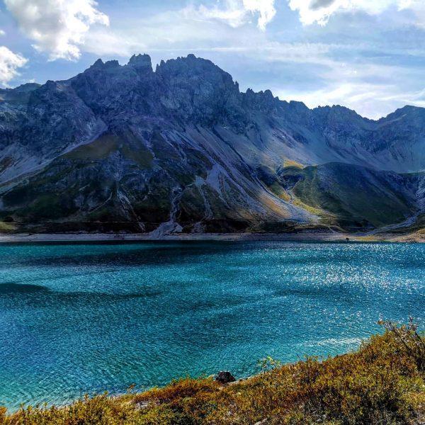 follow the deep dark blue 🗻 50 shades of blue 💙 #hike #hiking ...