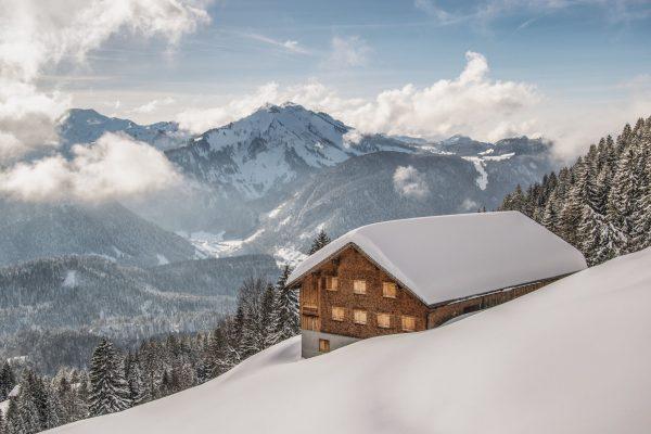 Der Winterkodex Vorarlberg bündelt Kräfte und Maßnahmen, um unseren Gästen einen sicheren Urlaub zu ermöglichen. ❄️ Aktuelle...