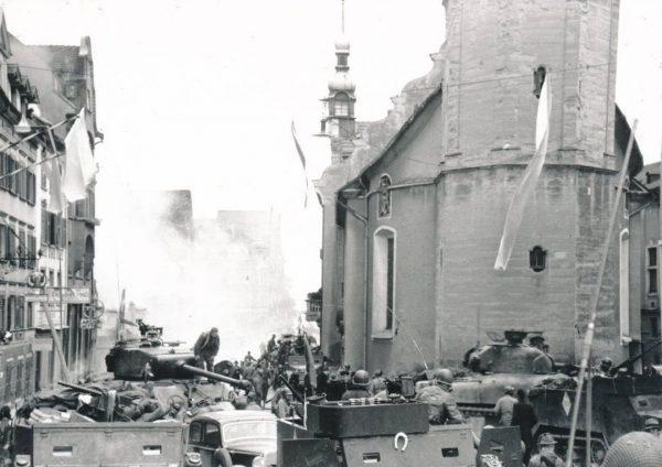 // Live-Stream // 9. November, 19.00 Uhr Vortrag Thomas Klagian: Das Kriegsende 1945 in Bregenz Aufgrund des...