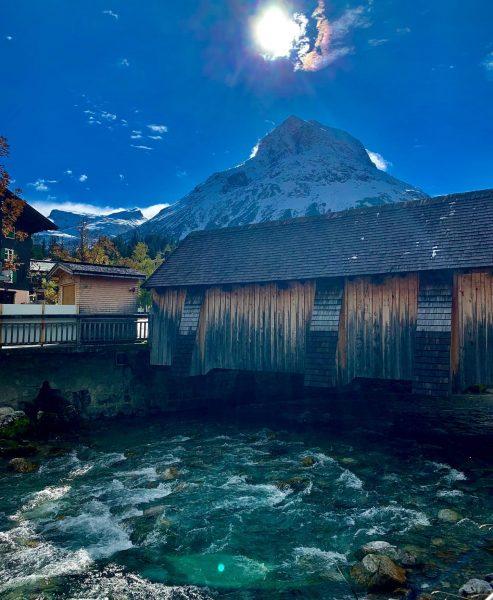 Das Omeshorn wird von den Einheimischen in Lech am Arlberg auch liebevoll Hausberg genannt. #unserarlberg #arlberg #omesberg...