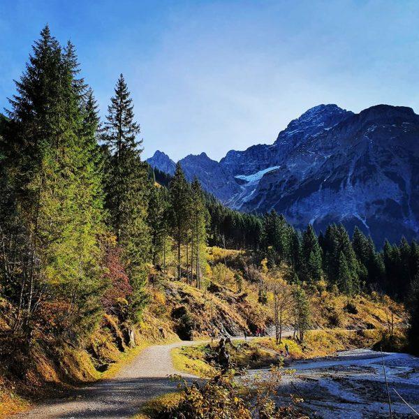 . . . . . #kleinwalsertal #baad #bärgunttal #mittelberg #austria #wandern #alpen #österreich ...