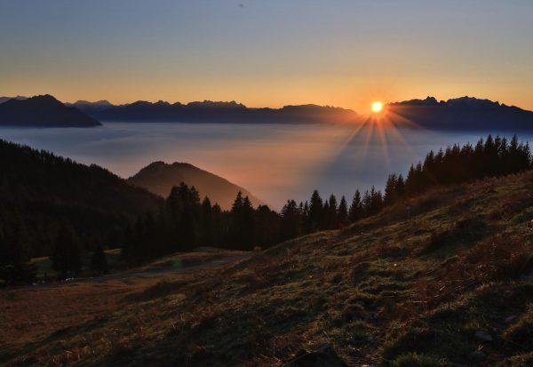 Das Wolkenmeer- Hohe Kugel heute #hohekugel #nebel #fog #hiking #meer #clouds #autumnvibes #happiness ...