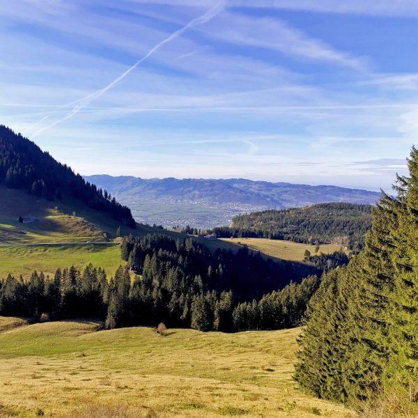 Fantastisches Bergwetter derzeit in den Emser Alpen - wie hier gestern auf dem Weg von Schuttannen auf...