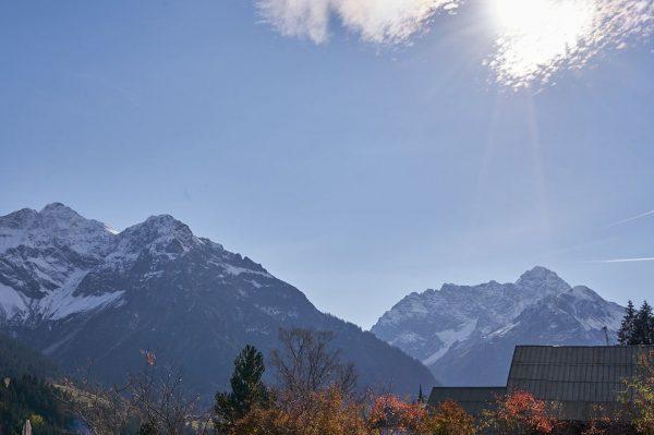 #closedbutclosetoyou Bergpanorama soweit das Auge reicht. Welcher Gipfel steht ganz oben auf eurer ...