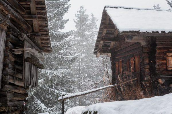 Winterliche Grüße vom Maisäß Montiel ❄️ Heute hat sich Frau Holle mal wieder bemerkbar gemacht - weiter...
