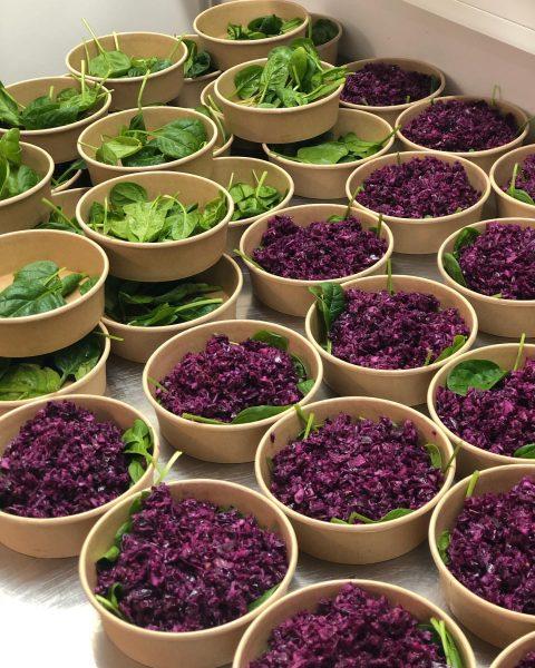 #salat #salatliebe #herbst #blaukraut #babyspinat #genusspaket #ländle #wolfurt #vorarlberg #vetterhof #foodie #foodlover #begeisterei💕 #takeaway #foodisnotcancelled #liebegehtdurchdenmagen