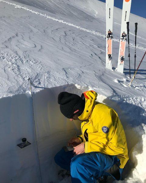 Der Skitourenwinter kommt bestimmt! Ich kann es kaum erwarten wieder täglich den besten Schnee zu finden🧐 und...
