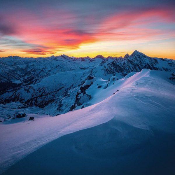Ein weiterer Tag in unserer schönen Bergwelt geht zu Ende. ❄️ ..und endlich ...