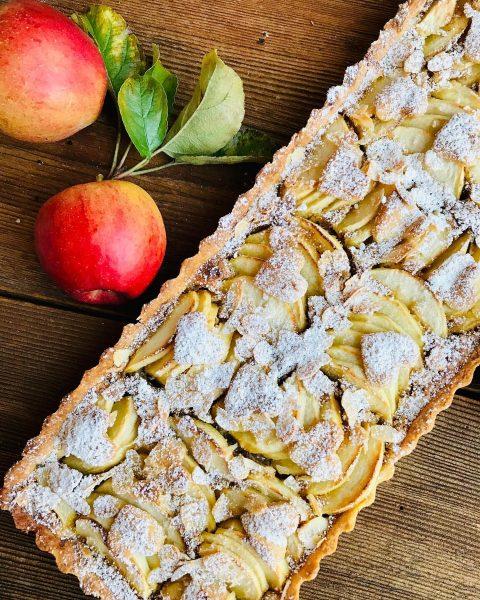 Rezept Nr.2: Apfel-Mandel-Tarte🍎🍎🍎 Knuspriger Mürbteigboden mit einer feinen Mandelcreme! Das Beste an der Tarte sind allerdings die...