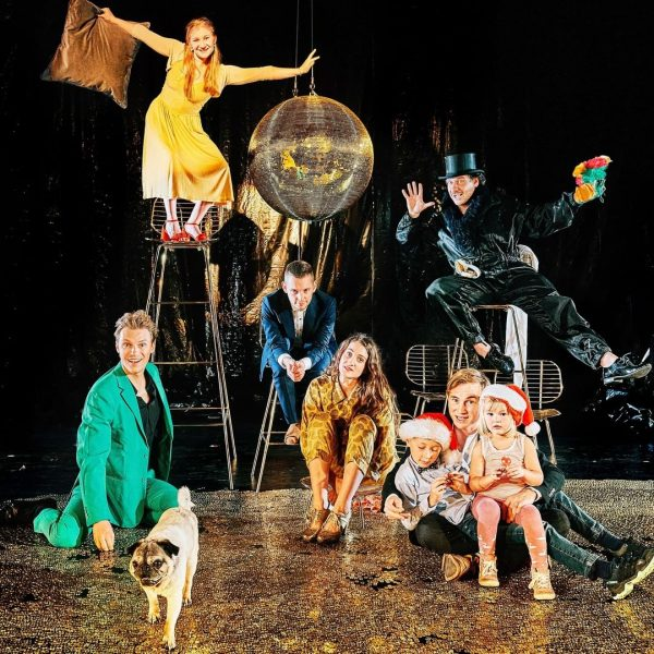 GESCHENKABO - vier Theaterabende im großen Haus ab Euro 54,- ... schenke Liebe, ...