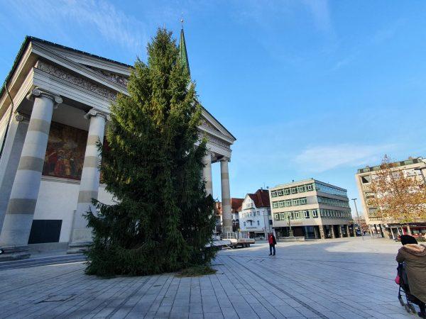 🎄 Auch ohne klassischen Christkindlemarkt zieht in Dornbirn Weihnachtsstimmung ein. Heute wurde von ...
