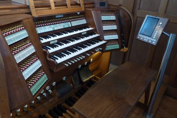 Zur Orgelweihe: Festkonzert im Live-Stream von Prof. Helmut Binder an der Behmann-Orgel der ...