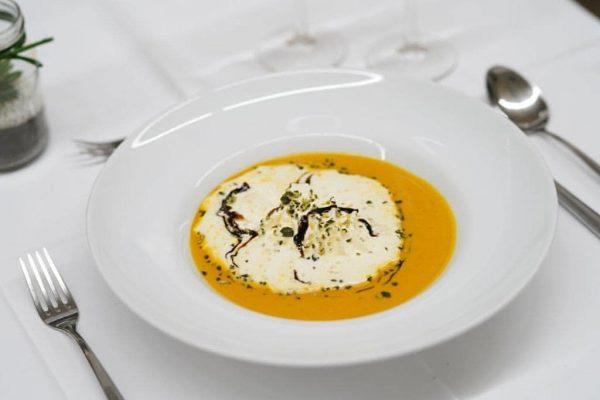 Suppenzeit 🍁 Bei diesen kalten Temperaturen ist eine heiße Suppe genau das richtige. Diese Woche gibts jeden...