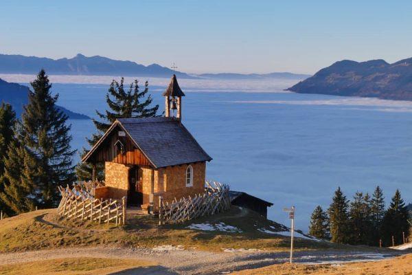 Nebelmeer am Rellseck. @laendleful @dein_bestes_natur_foto @rauszeit.montafon #autumn #autumniscoming #herbstzeit #bergwelt #bergverliebt #bergsüchtig #traumtag ...