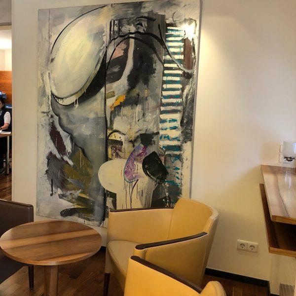 Wir freuen uns über neue Bilder in der Lobby. Werke vom Künstlerduo Bildstein ...