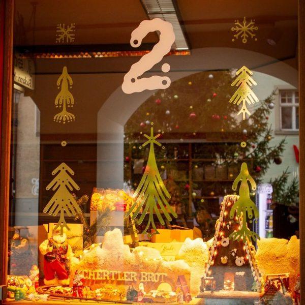 Heute, am 2. Dezember, verschenkt die Bäckerei @schertlerbrot zu jedem Einkauf einen Miniweihnachtsstollen ...