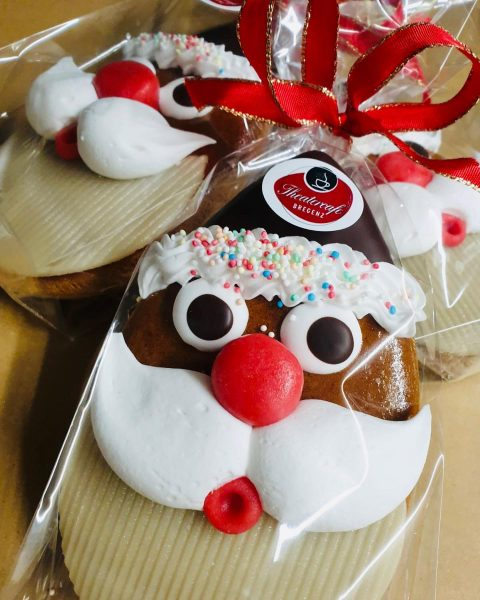 #finest #delicious #christmas #xmas #austrian #handmade #chocolate #sweets @ #theatercafebregenz #yummilicious #handcraft #handmade ...